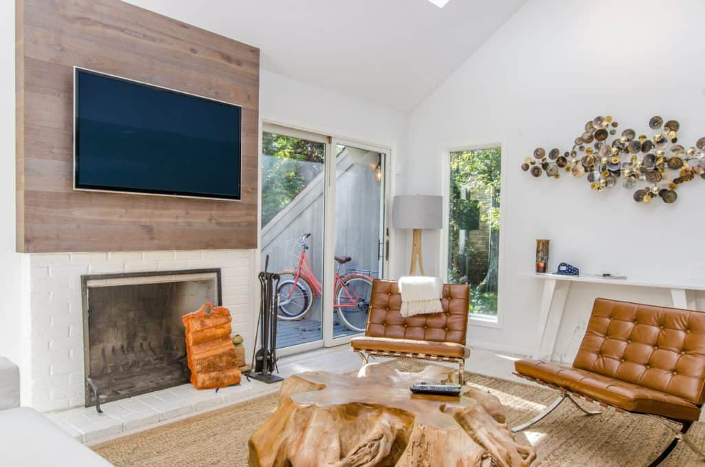 How High Should A TV Be Mounted On A Wall